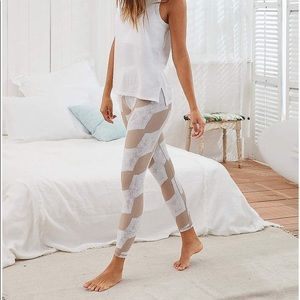 Aerie Move High Waisted Pattern Legging XS